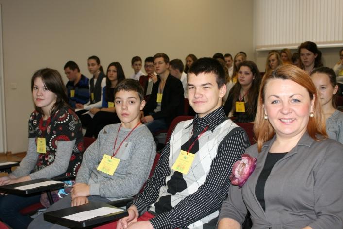 """Liepājas skolēni kopā ar lietuviešiem īsteno projektu """"Pilsēta bez robežām"""""""