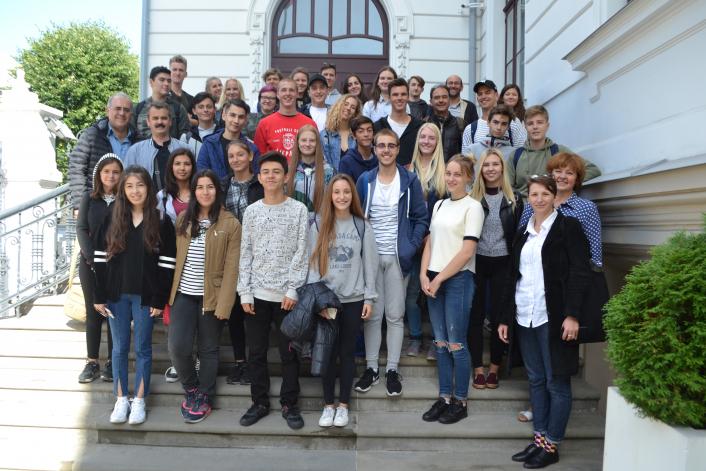 Triju valstu jaunieši veido kopīgu tūrisma rīku